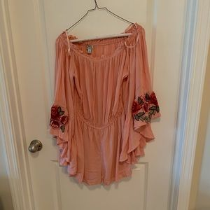 NWT Sky and Sand pink bell sleeve romper size L